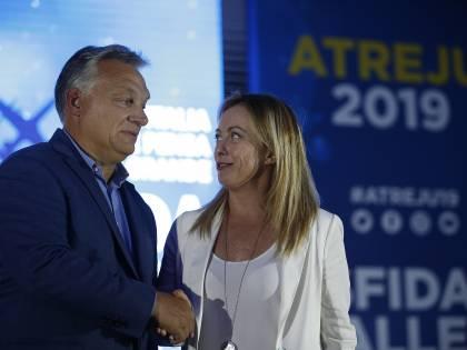 """Viktor Orban scrive a Giorgia Meloni: """"Continuiamo la collaborazione sulla politica del buon senso"""""""