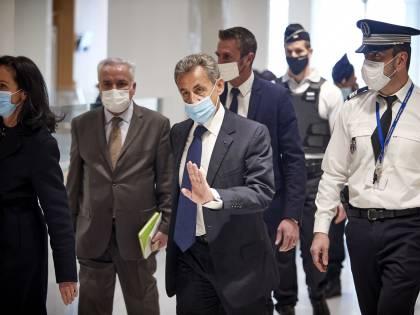 """Sarkozy condannato a tre anni: """"È colpevole di corruzione"""""""