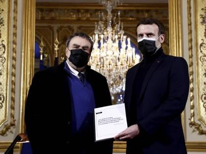 """""""Torturato e assassinato dall'esercito francese"""". Macron ammette il crimine sul leader algerino"""