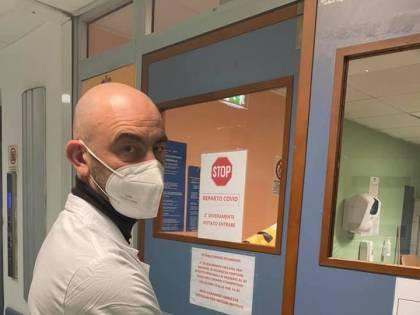 """La lezione di Bassetti: """"Chi deve decidere sul virus"""""""