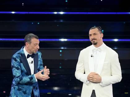 """Sanremo, è polemica per la durata. Anche Ibra ci scherza su: """"Rischiamo squalifica"""""""