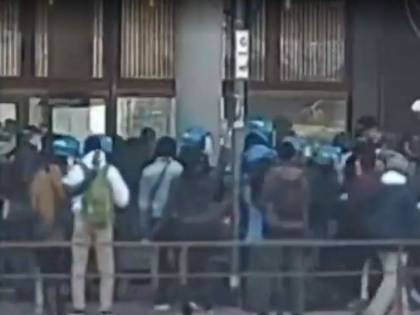 Senegalesi assaltano il consolato: interviene la polizia
