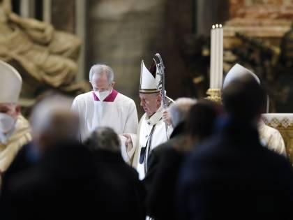 """""""Così tutela il sacro vincolo"""". Ecco le ragioni dietro la riforma del Papa"""