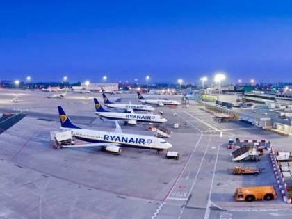 La guerra degli aeroporti tra Pisa e Firenze