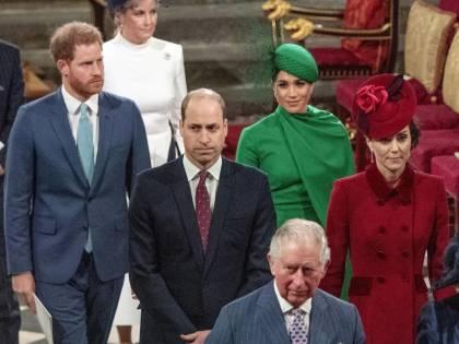 Ecco il veleno sulla Royal Family. Che cosa c'è dietro queste lettere