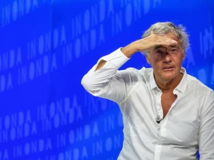"""Giletti scarica Grillo dopo il diktat sulle ospitate tv: """"Pensa di essere in Corea del Nord"""""""