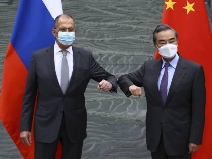 Su uiguri e diritti umani lite tra Occidente e Cina. Sanzioni e rappresaglie