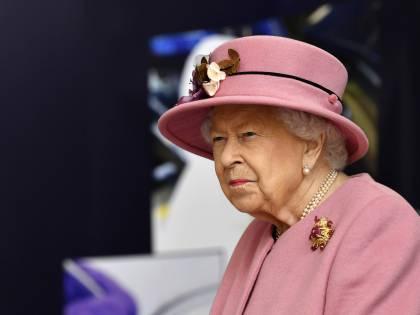 Allarme bomba nella residenza della regina Elisabetta in Scozia