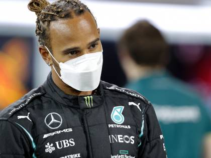Ora la F1 dura 30 secondi. Più che Gp sono scacchi. E il re è sempre Hamilton