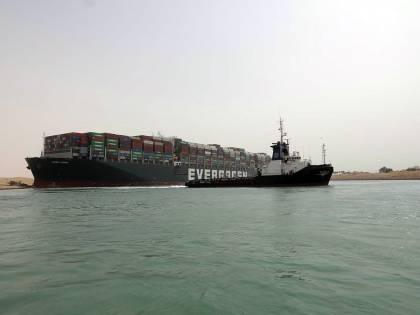 Il cargo a Suez costa 9,5 miliardi al giorno