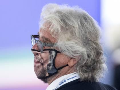 """Grillo: """"Doppio mandato? Un pilastro"""", esplode la rabbia nel M5S"""