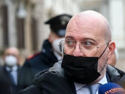 """Bonaccini-De Luca guerra su Sputnik: """"Nessuno compri senza l'ok di Ema"""""""