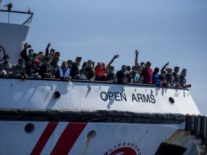 Malta rifiuta (ancora) i migranti. E Open Arms li porta in Italia...
