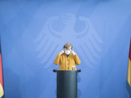 La strana scelta della Merkel: ora inizia davvero l'era Draghi?