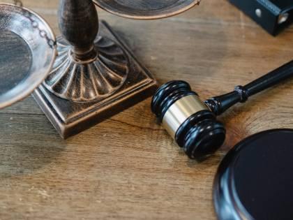 Il buonismo dei giudici con il terrorista assassino