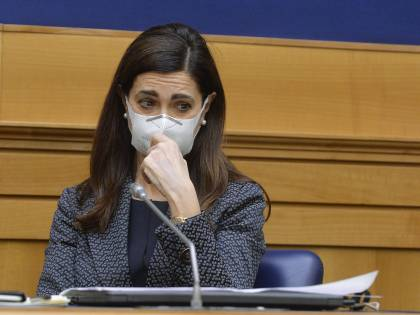 """""""Per 2mila euro? Ma siamo seri..."""". La Boldrini sprezzante sulla colf"""