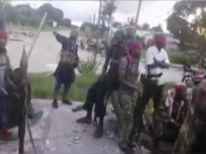 Gente decapitata e stranieri i fuga. Lo Stato islamico torna a colpire