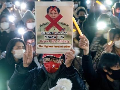"""""""Io, ragazzo in piazza contro i generali. In Myanmar ti uccidono anche in casa"""""""