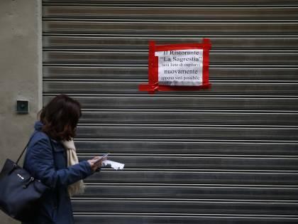 """""""Non ce la faccio più"""". Il 70% degli italiani contro nuove restrizioni"""