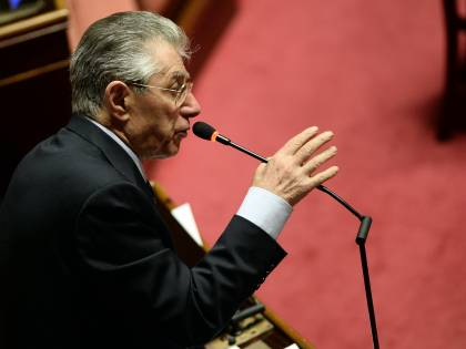 """Non solo gli azzurri. Anche Bossi critico sulla federazione: """"In politica 2 più 2 spesso fa zero"""""""