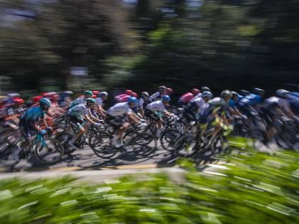 Povero ciclismo, non bastava la fatica. Ora c'è il Grande Fratello ambientalista