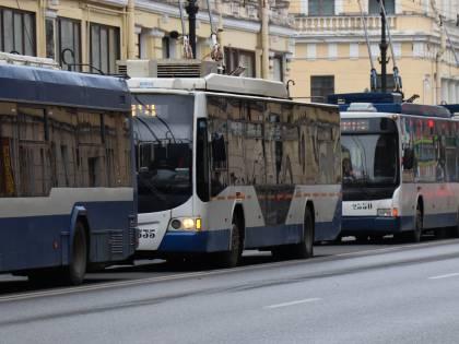 """I Nas: """"Tracce di virus su bus e metro"""".  Viminale ai prefetti: vigilare sui viaggi"""