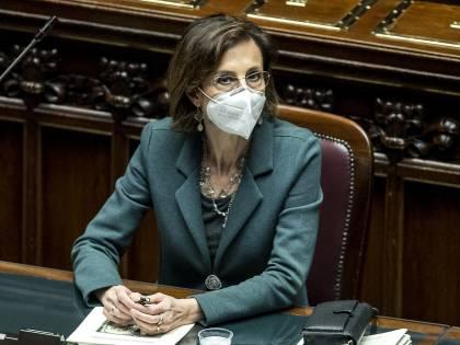 """""""Ridateci i 14 terroristi che vivono in Francia"""". Pressing italiano alla vigilia delle prescrizioni"""