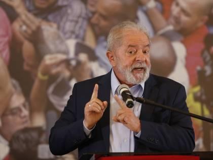 """""""Scusa compagno Napolitano"""". E Lula fa mea culpa su Battisti"""