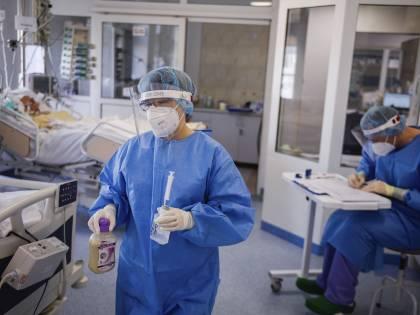 Covid, spunta il primo vaccino in compresse e senza iniezione