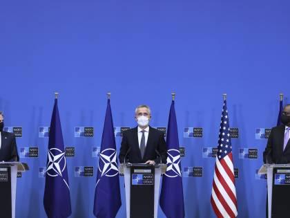 "Blinken vede Stoltenberg: ""Mosca fermi l'escalation"""