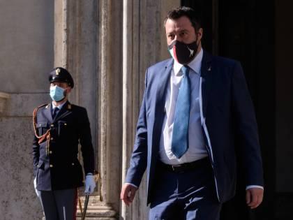 """Scontro Draghi-Salvini: """"Basta dispetti"""". Lega: """"Non è una delega in bianco"""""""
