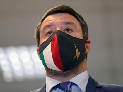 """Salvini asfalta la sinistra: """"Vuole vincere in tribunale"""""""