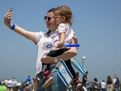 Israele getta la mascherina: così il Paese riparte dopo i vaccini