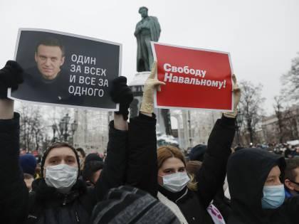 """""""Se muore ci saranno conseguenze"""". Ora gli Usa minacciano Putin"""