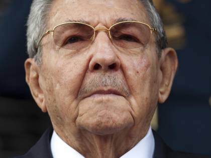 """""""Raúl Castro ha due tumori, è gravissimo"""". Lotta per il potere tra il figlio e l'ex genero"""