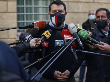 """""""Processo necessario"""": così il gup manda alla sbarra Salvini"""
