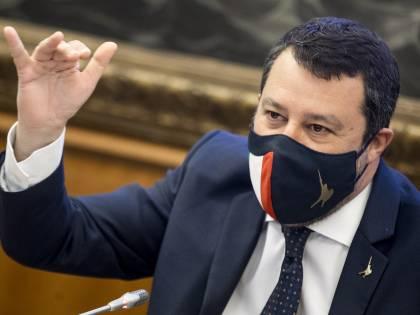 """""""Non voto cose che non mi convincono..."""". Salvini avverte Draghi"""