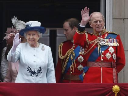 La regina Elisabetta rompe il silenzio e parla al mondo