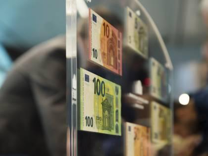 Addio ai contanti? Cosa cambia sulla tassa per conto e carte