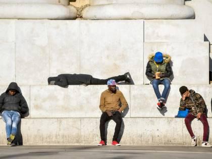 """Valanga di euro per gli immigrati: """"Ecco la sinistra anti-italiana"""""""