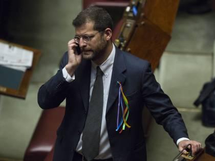 """Andrea Romano: """"Impossibile seppellire mio figlio, Raggi vergognati"""""""