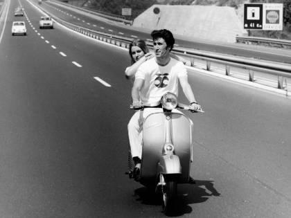 Vespa, i 75 anni della ragazza degli italiani