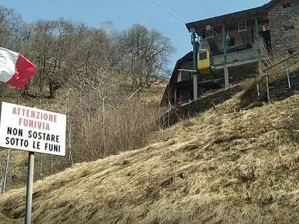 """""""Qui si arriva solo a piedi"""": il borgo sospeso inaccessibile da due anni"""