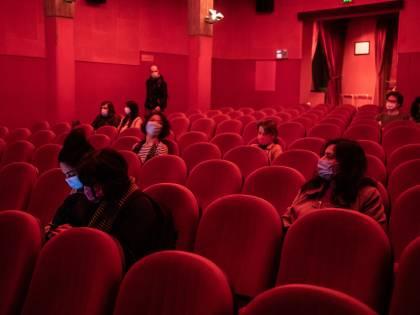 La rivincita dei cinefili: tutti in fila all'alba per il primo spettacolo del dopo-pandemia
