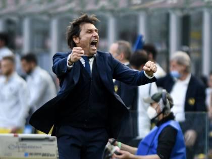 I campioni d'Italia dell'Inter si regalano una cinquina: festa grande dentro e fuori San Siro