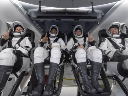 SpaceX, missione compiuta. Atterra la navicella di Musk