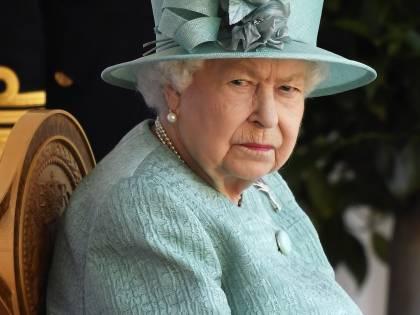"""L'Irlanda del Nord festeggia il suo centenario. La Regina: """"La riconciliazione non è scontata"""""""
