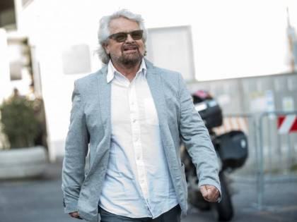 """Grillo """"depotenziato"""": scoppia la guerra Beppe-Giuseppi"""