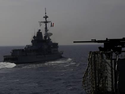 Navi da guerra in mare: cosa sta succedendo nella Manica