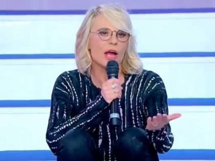 """Maria De Filippi si infuria con Armando: """"Basta! Sei un cretino"""""""